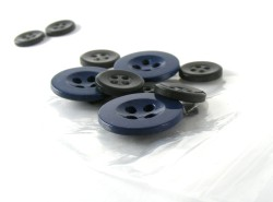 Kleinstmengen - Buttons - Knöpfe - Versand