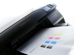 HP Officejet 8100 pro beim Ausdrucken einer Testseite